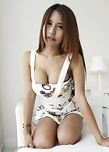 19yo busty Thai shemale  nonude striptease for white tourist